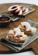peach-and-hame-crispbreads-summerfruit-australia